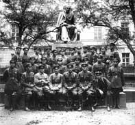 Борисоглебско-Ленинградская кавалерийская школа. П. Батицкий первый справа в ряду сидящих